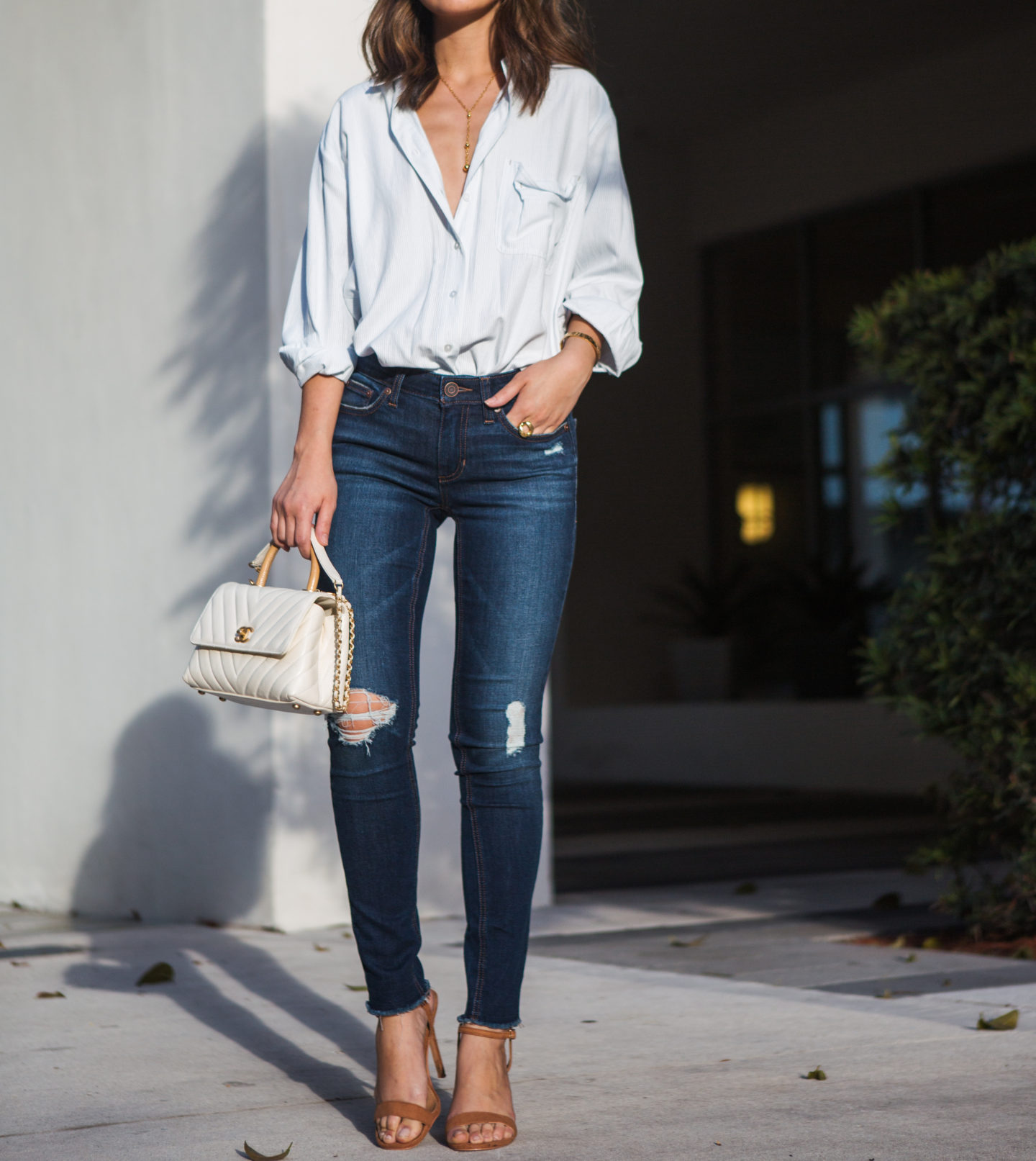 42d3f4746b3f1 ... I normally don t gravitate towards lighter washes but I am so in love  with this pair! I m wearing the Lauren Conrad Feel Good Midrise Skinny Jeans  ...